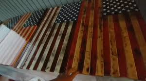 RUSTIC WOODEN AMERICAN FLAGS