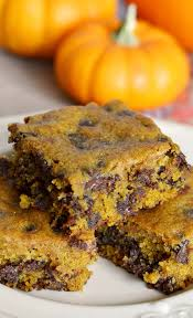 Pumpkin Cake Mix Bars by Delicious Pumpkin Chocolate Chip Bars