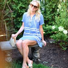 Lifestyle Blogger Emily Ravenna Of The Hip Suburban In Rails Chambray Dress Cape May
