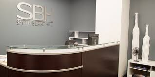 Bespoke Assists Trial Law Firm To Secure Its First Chicagos Central Business District Office Space Reception Desk