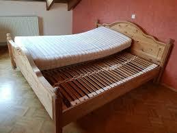 schlafzimmer schrank bett und kronleuchter komplett