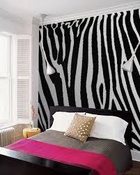 Pink Zebra Accessories For Bedroom by Best 25 Zebra Bedrooms Ideas On Pinterest Purple Zebra Bedroom