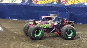 Young Female Monster Jam Driver Inspires Young Girls In Crowd ...