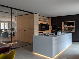 küche industrie schwarz matt bausperrholz und corian