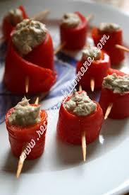 cuisiner les poivrons rouges roulés de poivrons rouges aux rillettes de thon amuses bouches