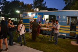 Eat St. Returns To Film Orlando Food Trucks In January - Eat More Of It Orlando Sentinel On Twitter In Disneys Shadow Immigrants Juggle Food Truck Wrap Designed Printed And Installed By Technosigns In Watch Me Eat Casa De Chef Truck Fl Foodtruckcaterorlando The Crepe Company 10 Best Trucks India Teektalks Closed Mustache Mikes Italian Ice Florida 4 Rivers Will Debut A New Food Disney Springs It Sells Kona Dog Franchise From Woodsons Wrap Shack Roaming Hunger Piones En Signs