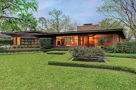 100 Mid Century House This Century Modern Ranch Is Now An Art Houstonia