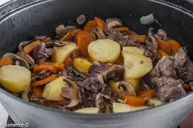 cuisiner joue de porc mijoté de joues de porc aux chignons et carottes kilometre 0 fr
