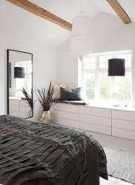 slaapkamer zwart wit bamboo malm kast ikeacatalogus