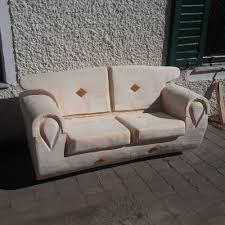 alm hütten holz garten sofa aus baumstamm als zweisitzer grandes jorasses