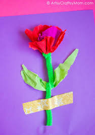 This Mothers Day Surprise Your Mom With These DIY Camelia Like Handmade Crepe Paper Flower Cards