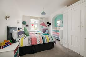 retro 80s inspired spacious wohnung in der nähe seafront