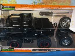 100 Just Trucks 124 Jada 2007 Jeep Wrangler 4 X Extra Wheel Diecast