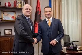 visite à tirana du ministre de l intérieur bruno le roux le 28