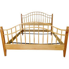 Knotty Pine Bedroom Furniture by Ethan Allen Country Craftsman Knotty Pine Queen Size Spindle Bed