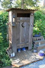 Patio Caddie Burner Shield by Best 25 Outhouse Ideas Ideas On Pinterest Modern Compost Bins