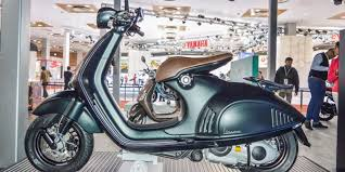 Vespa 946 Emporio Armani The Most Expensive Scooter Launched In India At INR 1204 Lakhs
