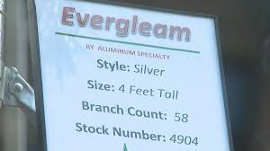 Evergleam Aluminum Christmas Tree by Aluminum Christmas Trees On Display In Manitowoc Wluk