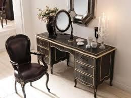 Classic Bedroom Vanity Ideas