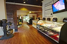 It May Look Like A Bakery But Its Not And Thats The Point Johnny Cupcakes Boston Based Retailer T Shirt Design Company That Aims To Redefine