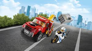 Tow Truck Trouble 60137 - LEGO City Sets - LEGO.com For Kids - MY