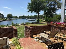 Harborside Grill And Patio by Lakefront 1st Floor 3 Bd 2 Ba Walkout Pati Vrbo