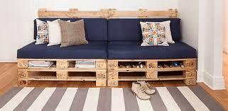 palette canapé canapé et magazine rack avec palettes pallets pallet furniture