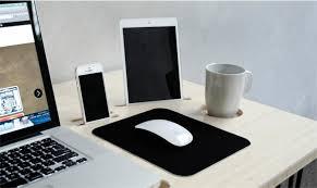 mac bureau kickstarter un bureau conçu pour le mac avec un dock iphone