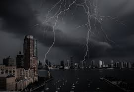 New York City Just Witnessed An Absolutely Massive Lightning Strike Completely Spanning The Hudson River I Happened To Have My Camera Set Up Capture It