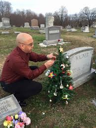 An Annual Wagner Family Tradition If Decorating A Christmas Tree At Paula Wagners Grave Site