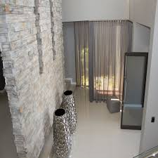 12 varianten die wände mit stein zu dekorieren sodass es