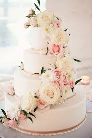 Fresh Flower Cake Toppers For Wedding Cakes Best 25 Flowers Ideas On Pinterest Rustic