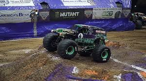 Grave Digger Just Pulled Off A Mind Blowingly Long Record Breaking ... Review Monster Jam At Angel Stadium Of Anaheim Macaroni Kid Truck Front Flip Was A Complete Accident New Bright 143 Scale Radio Control Monster Jam 360 Set Archives Speed And Motion Insanity Tour August 16th Davis County Fair Best Monster Truck Backflips Backflip Watch Performs Incredible Double Top Gear Team Over Bored With Strong Outing In Pladelphia Backflip Goes Wrong And Wheels Fall Off Benson18_web Monstertruckthrdowncom The Online Home New Bash Gift Adventureall Vacations Sicom