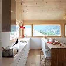 cuisine chalet moderne cuisines chalets idée déco et aménagement cuisines chalets domozoom
