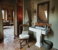 badezimmer im vintagestil mit alten bild kaufen