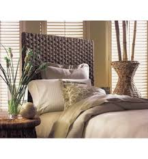 Brown Wicker Pier e Headboard with Luxury Twin Size Bed and