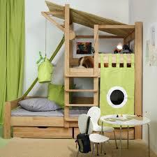 cabane dans la chambre lit cabane enfant idées en immages pour vous inspirer