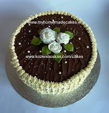 white roses roses Honey sponge cake with fresh