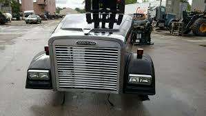 100 J And M Truck Sales 2004 Freightliner CLASSIC Stock P205 Hoods TPI