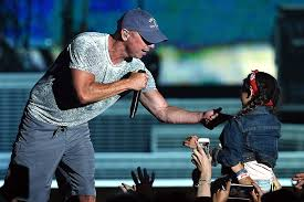 Kenny Chesney Old Blue Chair Live by Swift Zac Brown Band Church More Appear On Chesney U0027s Live Album