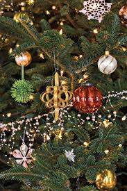 Kinds Of Christmas Tree Ornaments by 100 Fresh Christmas Decorating Ideas Southern Living