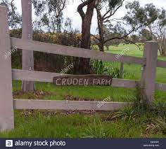 100 Rupert Murdoch Homes Cruden Farm Drive Way Home Of Elisabeth S