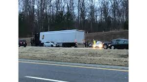 2 Seriously Injured In Multi-car Crash Involving Tractor-trailer On ...