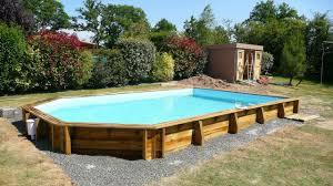 piscine semi enterree bois