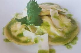 cuisine coriandre recette de i chef pro raviole de chèvre et huile de coriandre rapide