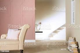 muster rosa wand und treppe im wohnzimmer stockfoto und mehr bilder architektur