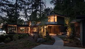 100 Modern Tree House Plans Tree House Floats Above Its Woodsy Setting On The