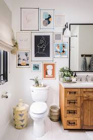 15 bathrooms with beautiful wall decor that will inspire a