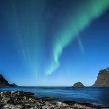 Northern lights vapor co Alpenglow