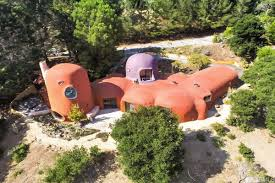 100 Flintstone House Dick Clark Of The Week Have A Yabba Dabba Doo Time In This Home